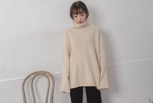 Chiếc áo len cổ lọ cùng culottes đẹp