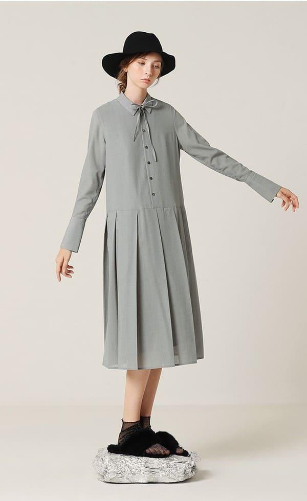 Đầm oversize cổ bèo da